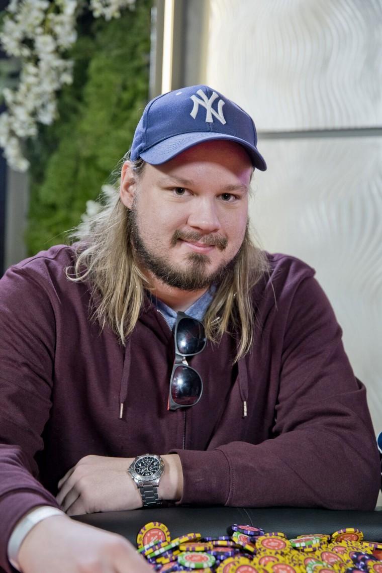 Johan Karlssoni kehv äss vormib riverisse nutsu