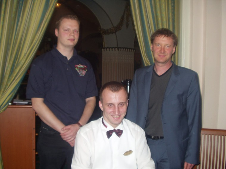 Juha_Helppi, Deniss, Lothar_Landauer_EST_Champs_2003_main_event_top2.jpg