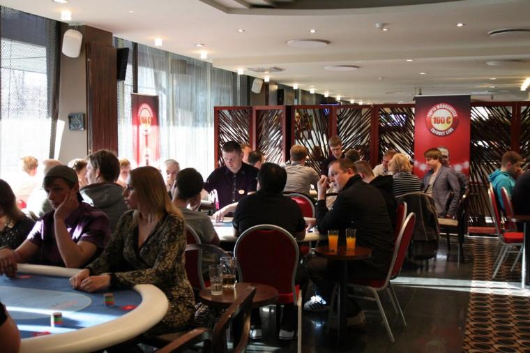 Igakuised pokkeriturniirid pole enam popid: mängijate arv langeb robinal